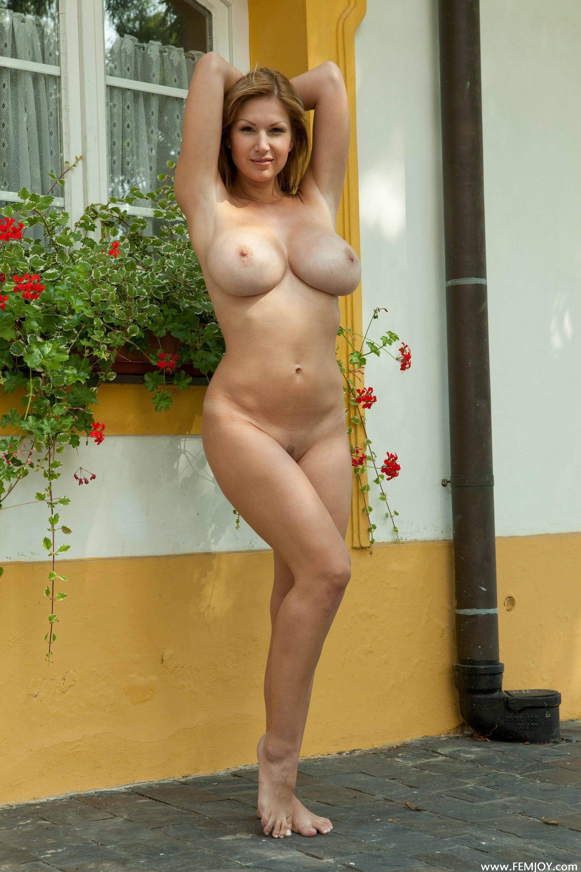 Hot amateur college girls naked